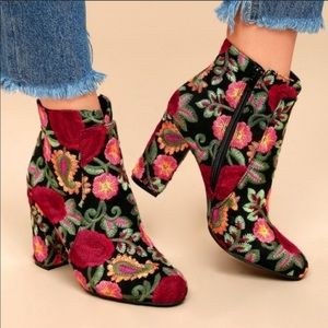 Mia Vail Ankle Booties